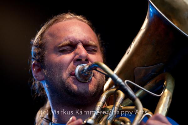 HG4X1008-2003 La Brass Banda