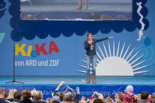 HG4X1008-5136 Volker Rosi und Singa Gätgens auf der MDR Sommertour Bühne