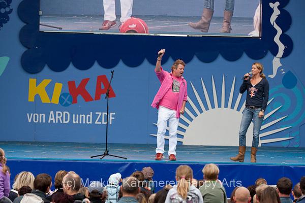 HG4X1008-5143 Volker Rosi und Singa Gätgens auf der MDR Sommertour Bühne