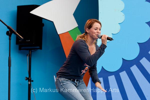 HG4X1008-5159 Volker Rosi und Singa Gätgens auf der MDR Sommertour Bühne