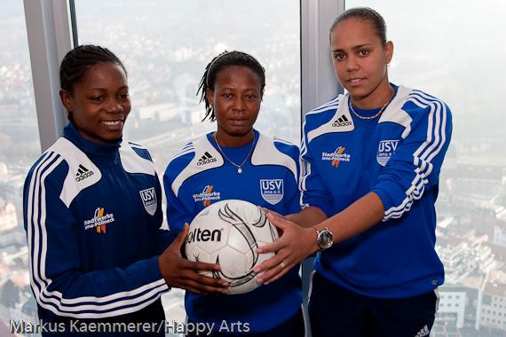 Genoveva Anonma, Adjoa Bayor und Carol Carioca (von links)